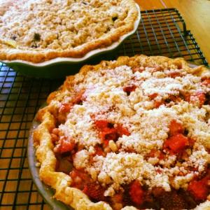 straw rhubarb pie
